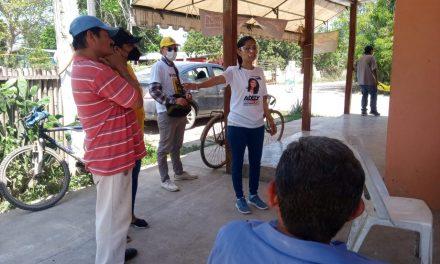 Con trabajo y sencillez Adely Morales, candidata a diputada local por el 03 Distrito, y es el sello que la caracteriza en cada recorrido.