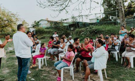 Juntos construiremos una economía sana para los tuxpeños; Everardo Gustin.
